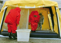 zur Dekontamination von Einsatzkräften