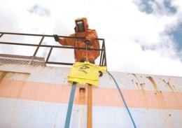 Säureschutzhülle für sicheren Einsatz und Lagerung.