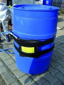 Mini-Leck-Dichtkissen mit praktischen Klett-Spanngurten für schnelle und einfache Befestigung.
