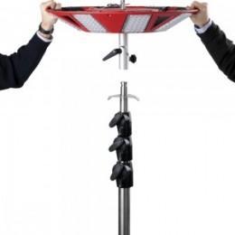 4. Der Stativadapter passt auf einen Standard-DIN-Zapfen mit 30 mm Durchmesser. Gerne beraten wir Sie zu alternativen Stativen/Zapfen/Aufnahmen.